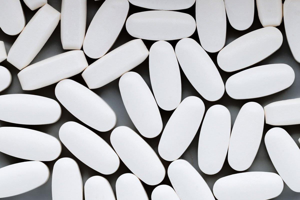Naltrexone pills