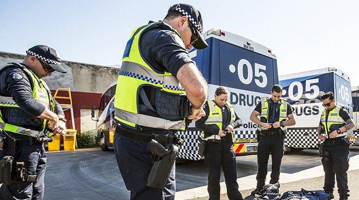 police drug busses